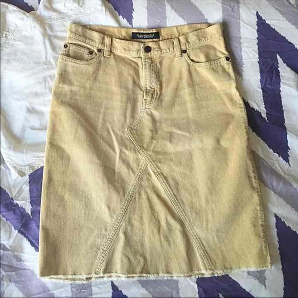 Abercrombie & Fitch Dresses & Skirts - Abercrombie & Fitch Denim Skirt, size 6